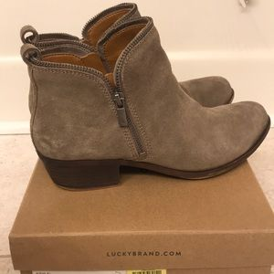 Lucky Brand Bartalino suede Boots in color Brindle